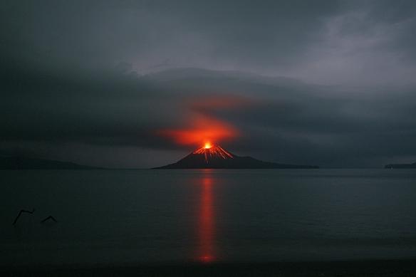 anak-krakatau-2009-storm-mf2224